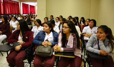Filial Huacho y Colegio Regional de Obstetras Promueven Lactancia Materna