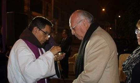 RECTOR DE LA UAP PARTICIPA EN MISA Y PROCESIÓN DEL SEÑOR DE LOS MILAGROS