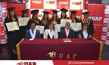 UAP – FILIAL TACNA ENTREGÓ DIPLOMAS DE BACHILLER A ESTUDIANTES